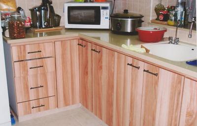 ארונות מטבח מתחת לכיור