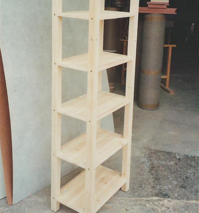 מערכת מדפים מעץ