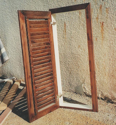 תריס לחלון מעץ