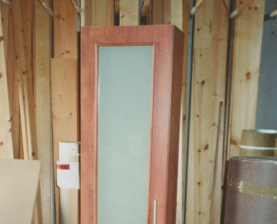 דלת עם זכוכית באמצע
